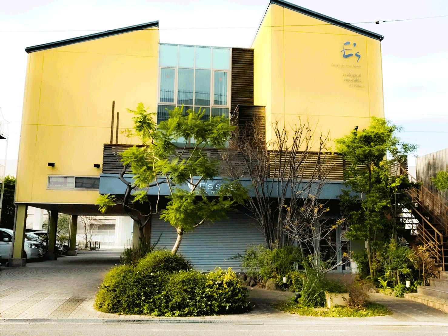 イーズホールの外観